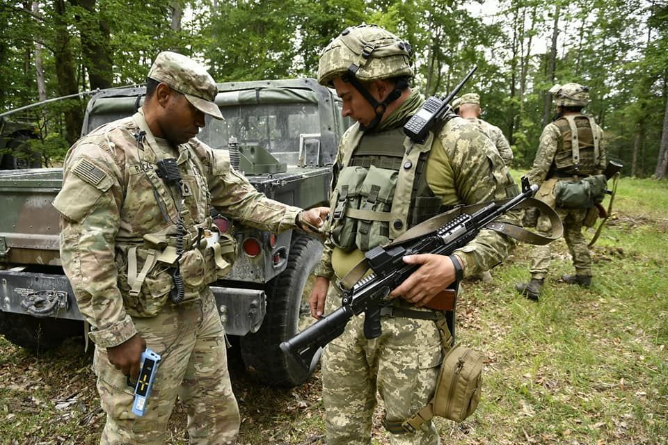 Modern Ukrainian uniform in photographs - Page 31 66267f10