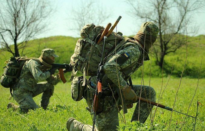 Modern Ukrainian uniform in photographs - Page 30 680_5b12