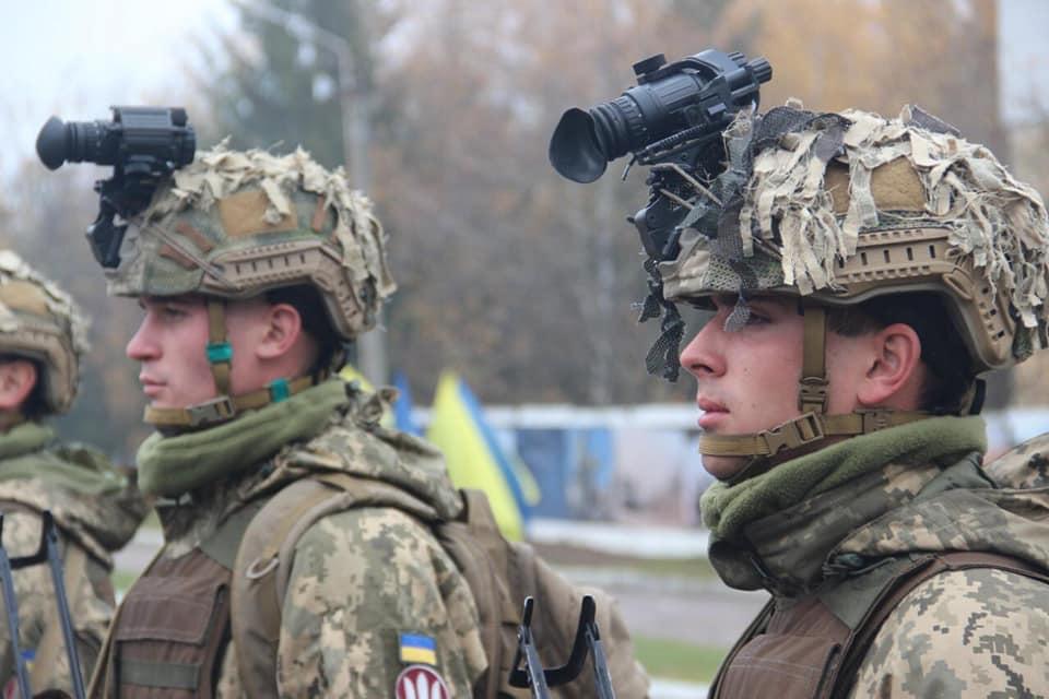 Modern Ukrainian uniform in photographs - Page 31 74620910