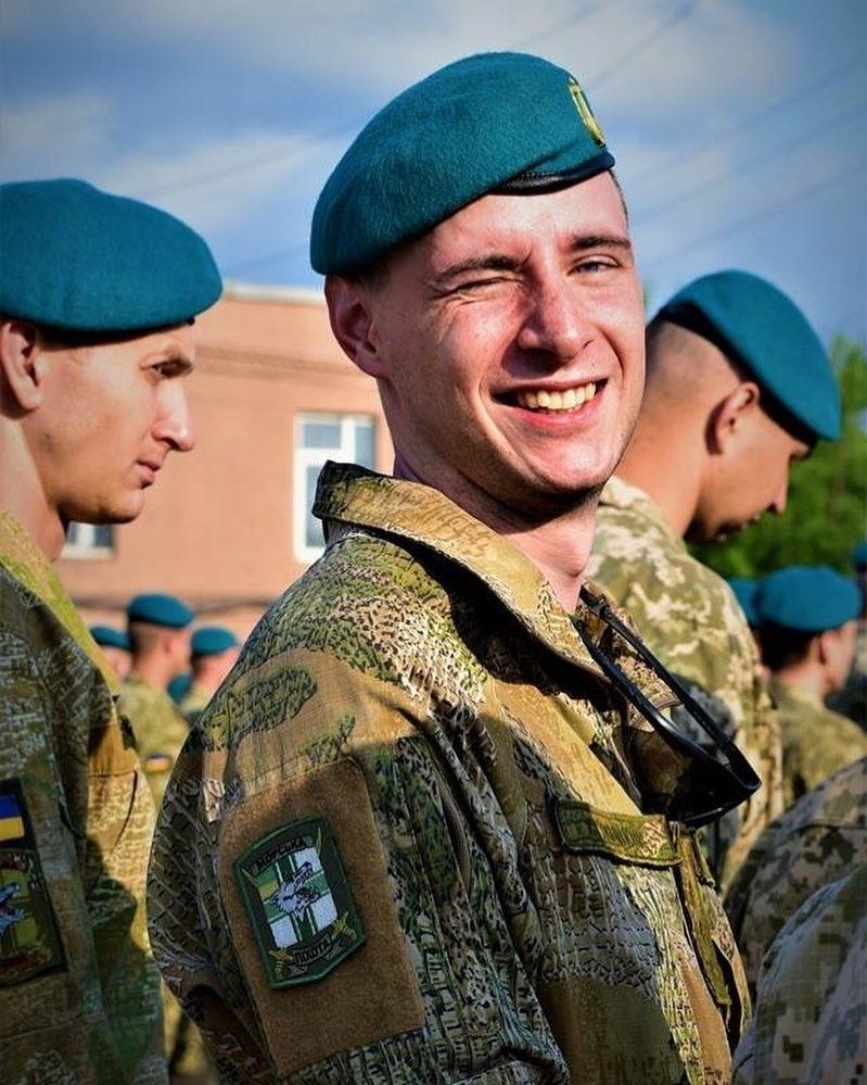 Modern Ukrainian uniform in photographs - Page 31 Brgthb10