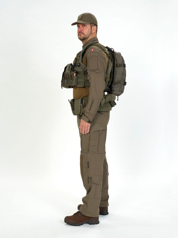 New (possible) uniform of the Swiss Armed Forces? - Page 2 Ccc710
