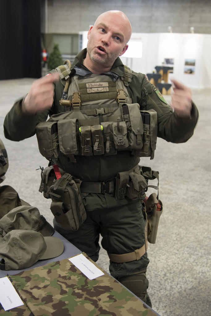 New (possible) uniform of the Swiss Armed Forces? E56e0910