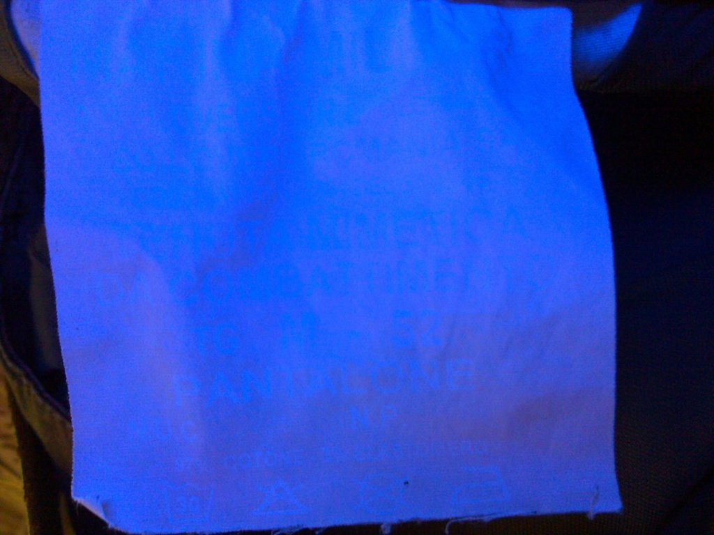 San Marco pants: UV-lamp for reading the inscriptions San_ma14