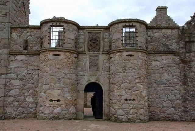Village médiéval fortifié - Page 7 1200px10
