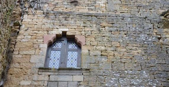 Village médiéval fortifié - Page 7 Castle10