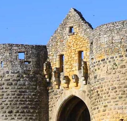 Village médiéval fortifié - Page 7 Domme_12