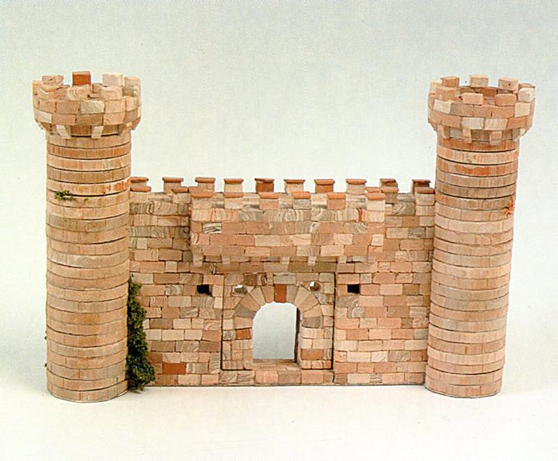Village médiéval fortifié (1) - Page 19 Img03210
