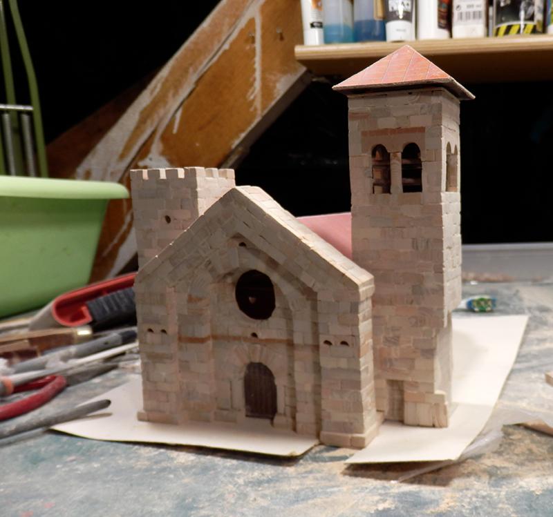 Village médiéval fortifié (1) - Page 4 P1050013