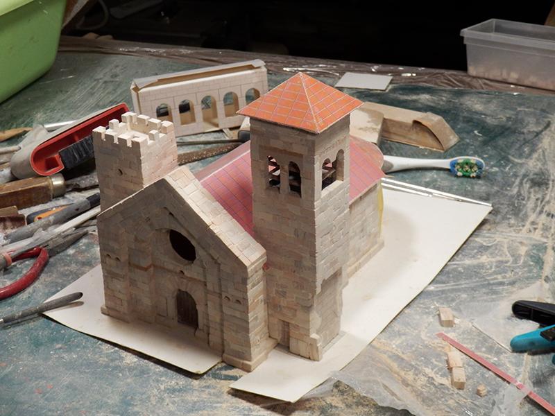 Village médiéval fortifié (1) - Page 4 P1050014