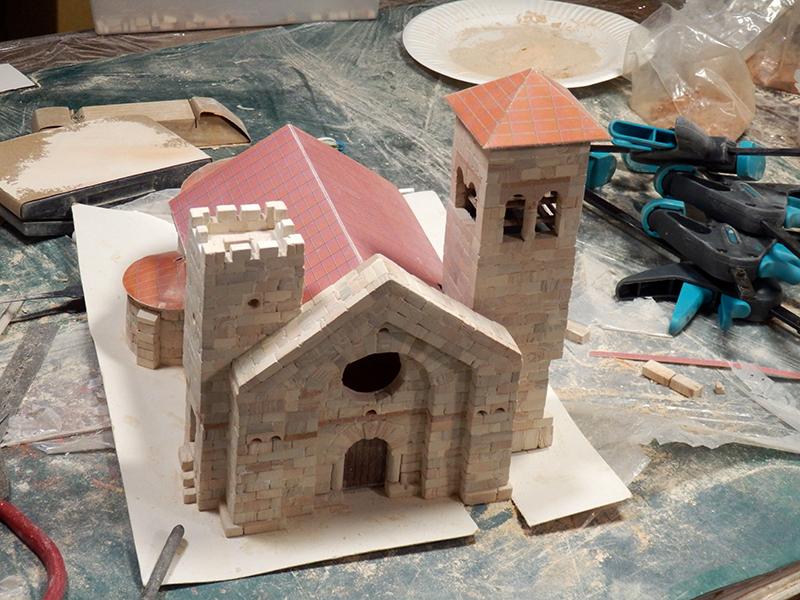 Village médiéval fortifié (1) - Page 4 P1050015