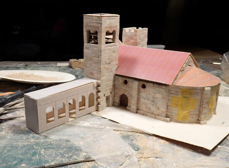 Village médiéval fortifié - Page 5 P1060013