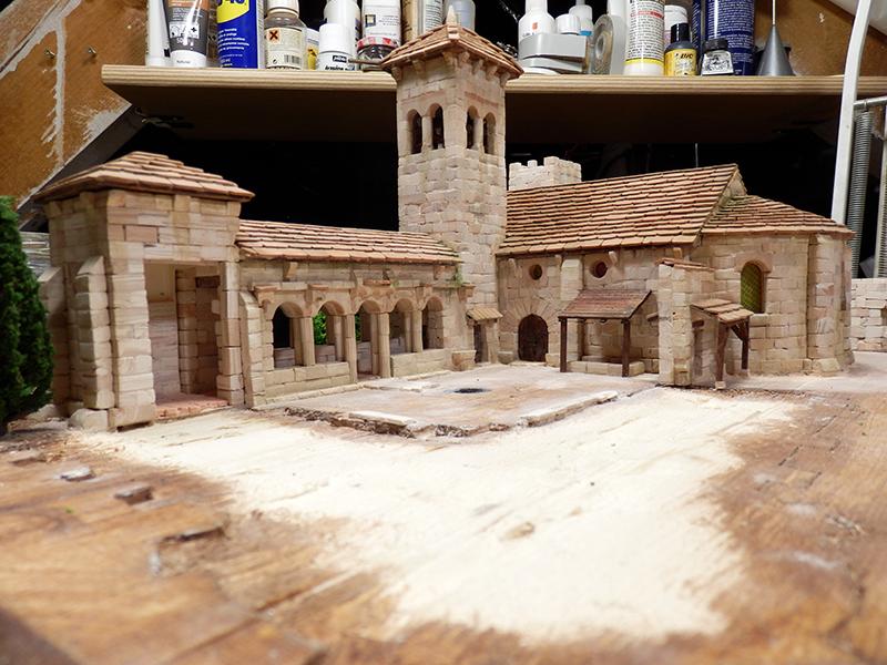 Village médiéval fortifié (2) - Page 2 P1120011