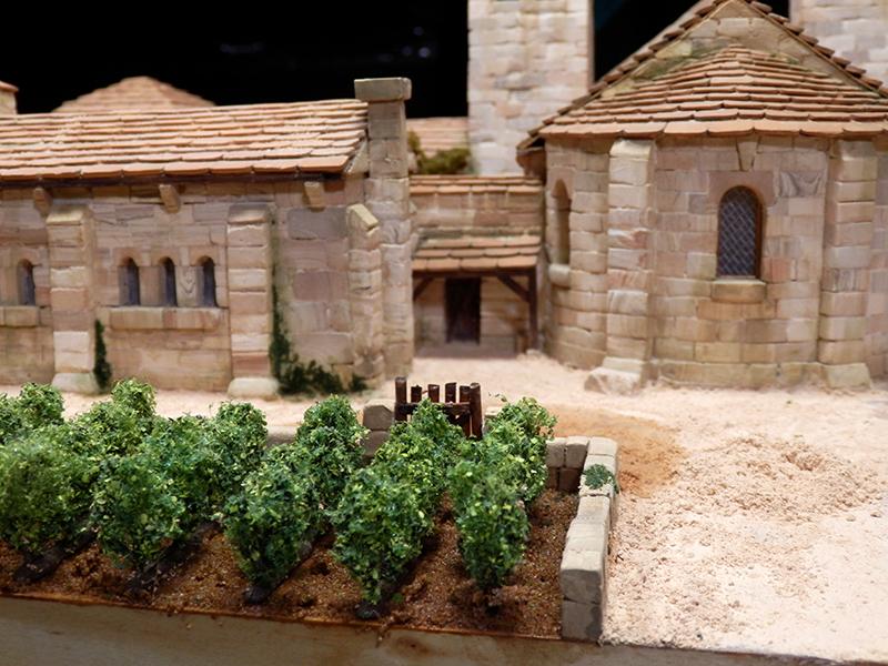 Village médiéval fortifié (2) - Page 3 P1160024