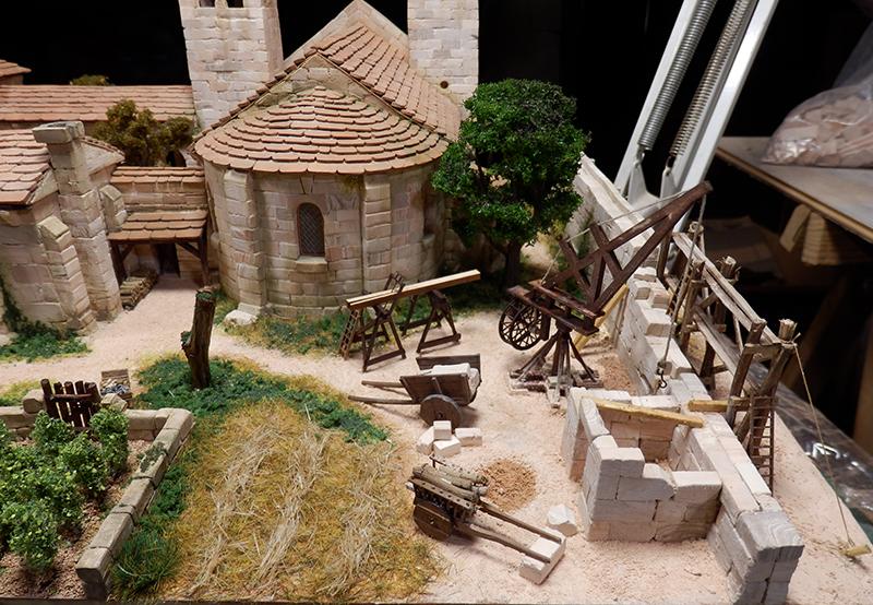 Village médiéval fortifié (2) - Page 4 P1190018