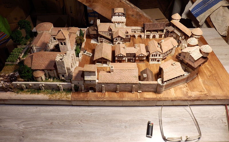 Village médiéval fortifié 14è- bastide - éch1:87 P1190048