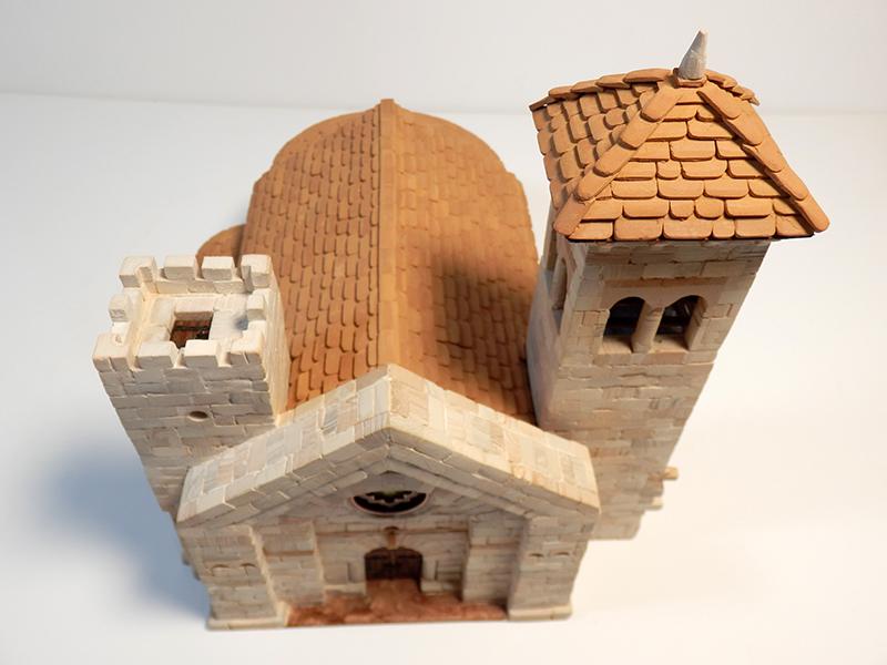 Village médiéval fortifié - Page 5 P1200022