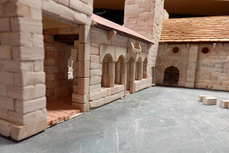 Village médiéval fortifié - Page 6 P1310011