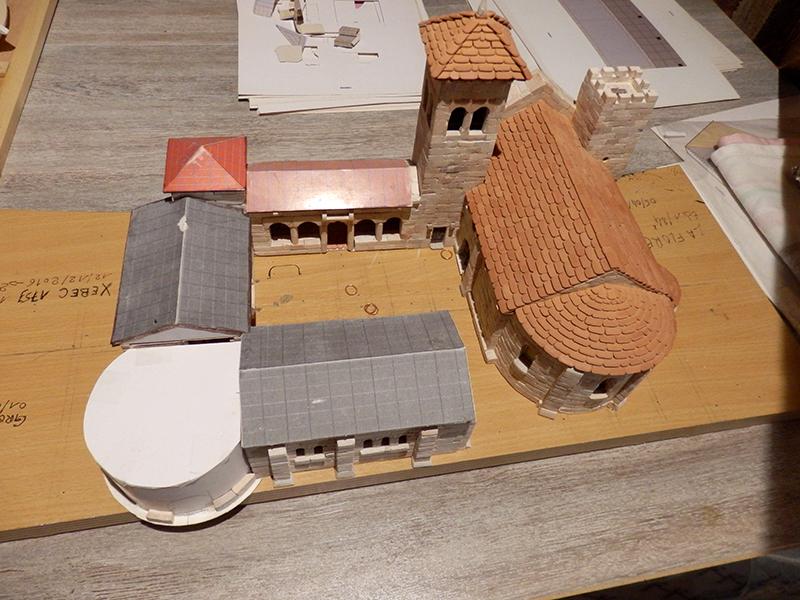 Village médiéval fortifié - Page 6 P2110019