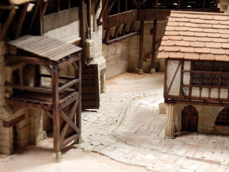 Village médiéval fortifié (2) - Page 8 P2140018