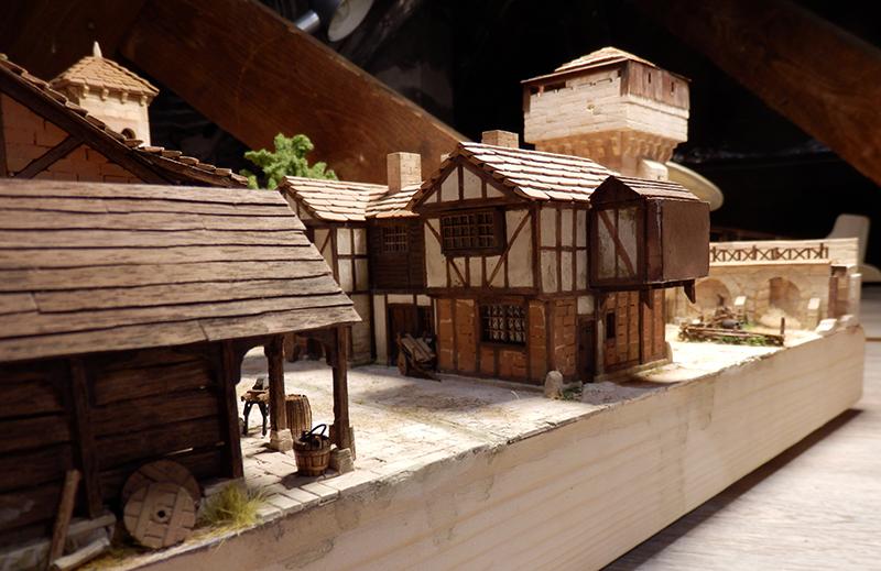 Village médiéval fortifié (2) - Page 8 P2140035