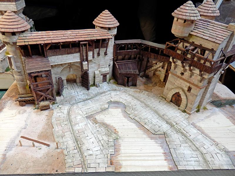 Village médiéval fortifié (2) - Page 8 P2150018