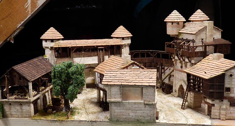 Village médiéval fortifié (2) - Page 9 P2170026