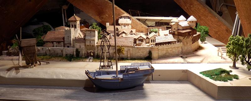 Village médiéval fortifié (2) - Page 10 P2190010