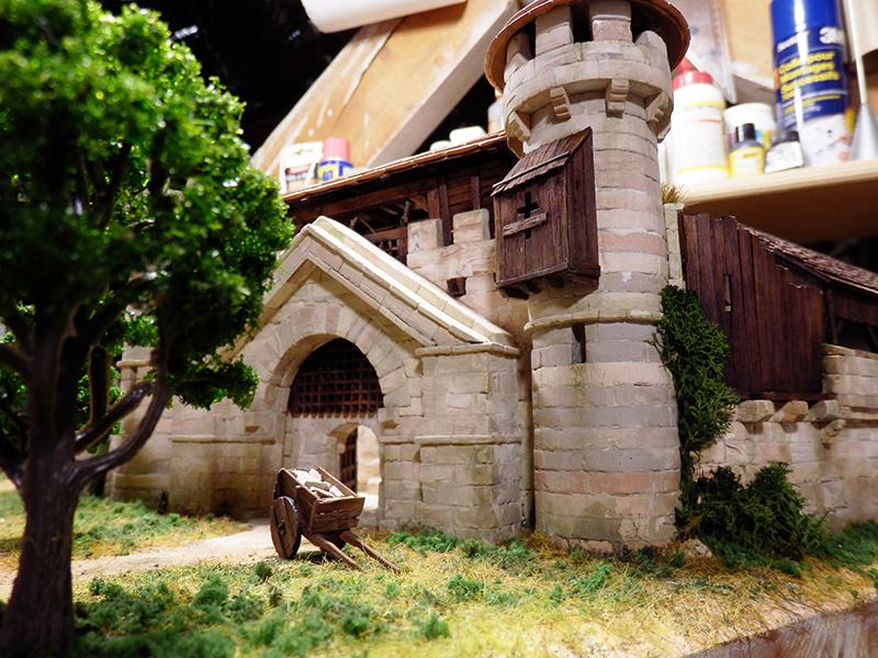 Village médiéval fortifié (2) - Page 10 P2210012