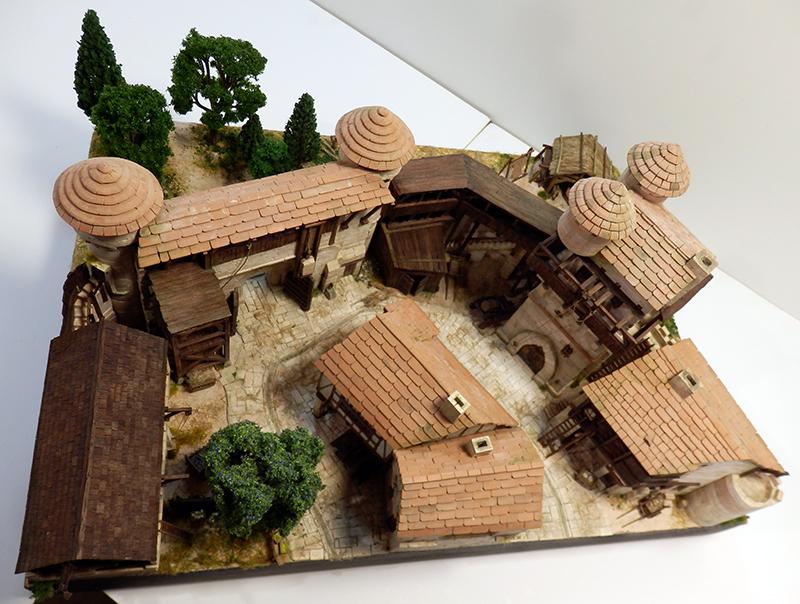 Village médiéval fortifié (2) - Page 10 P2210037