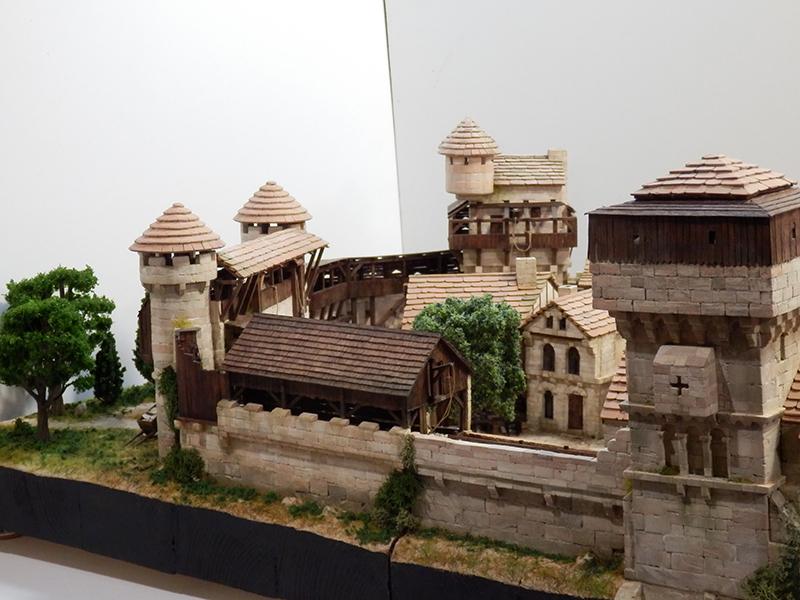 Village médiéval fortifié (2) - Page 10 P2210044