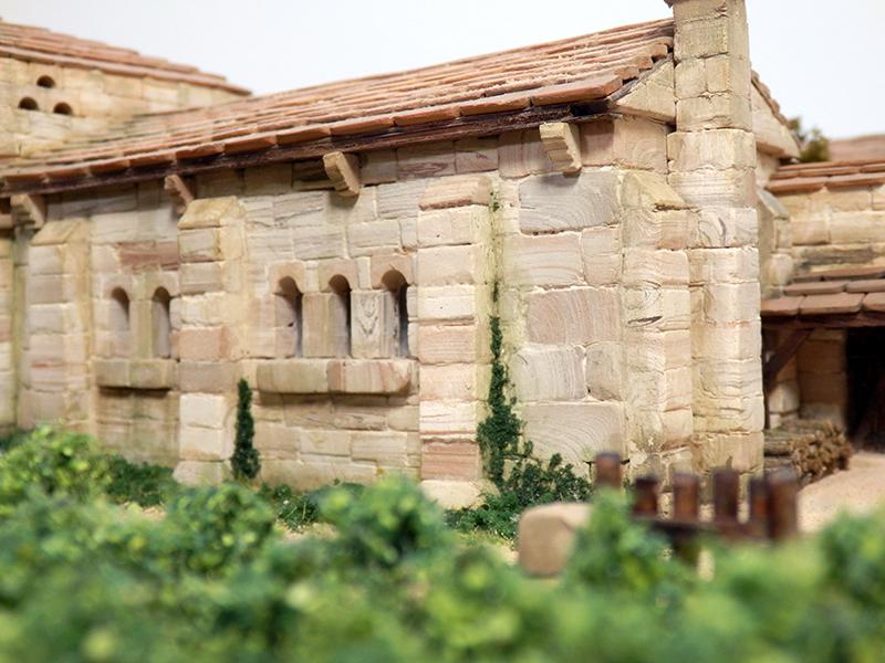 Village médiéval fortifié (2) - Page 10 P2210051