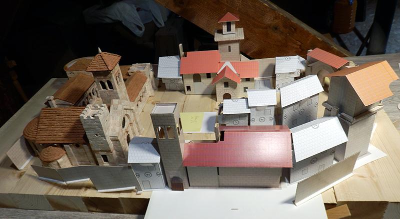 Village médiéval fortifié - Page 9 P3050011