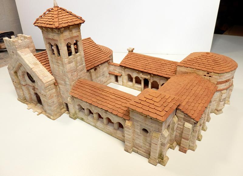 Village médiéval fortifié 14è- bastide - éch1:87 P3120049