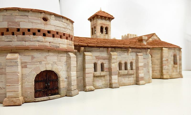 Village médiéval fortifié 14è- bastide - éch1:87 P3120051