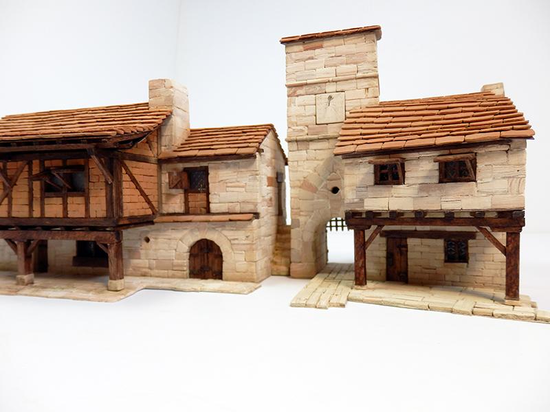 Village médiéval fortifié 14è- bastide - éch1:87 P4120027