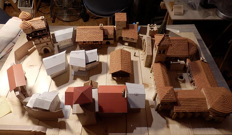 Village médiéval fortifié (1) - Page 16 P5030034