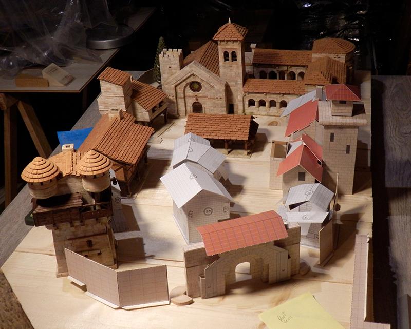 Village médiéval fortifié (1) - Page 16 P5030035