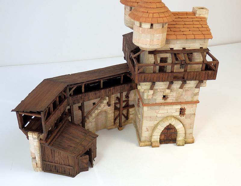 Village médiéval fortifié 14è- bastide - éch1:87 P5150023