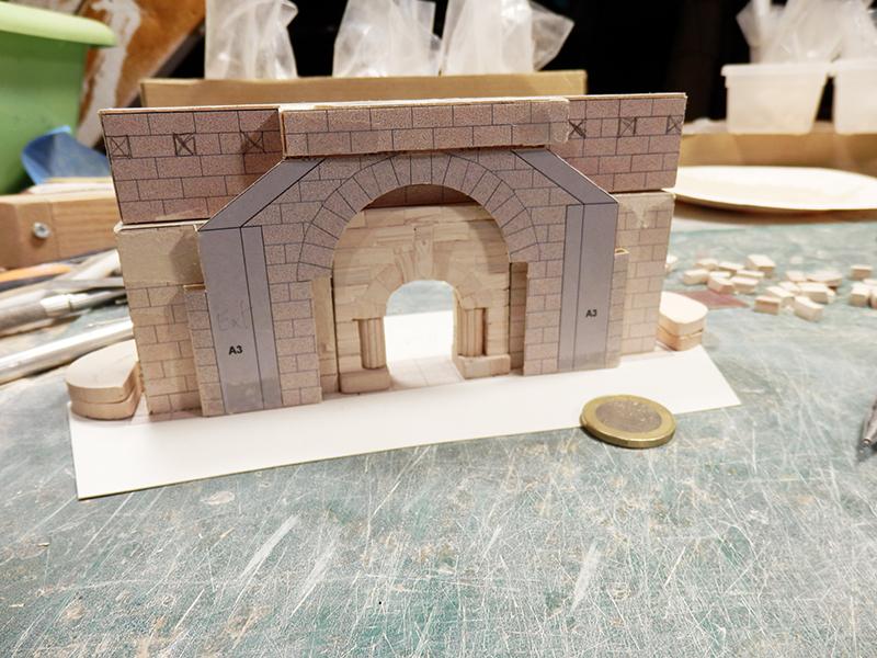Village médiéval fortifié - Page 18 P5170013