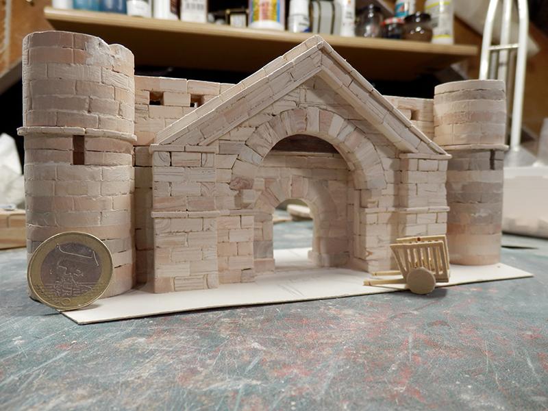Village médiéval fortifié (1) - Page 19 P5280017