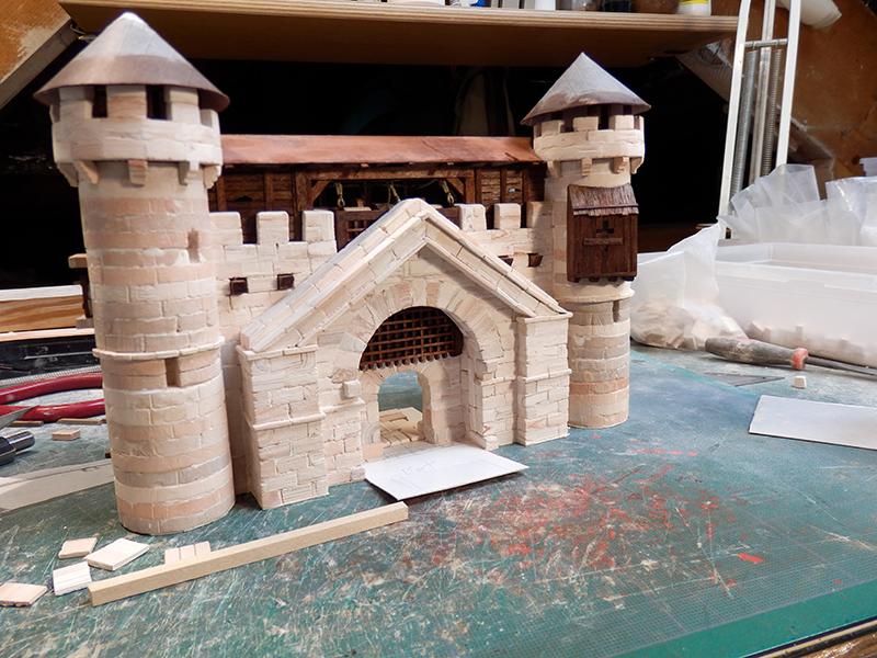 Village médiéval fortifié - Page 20 P6050022