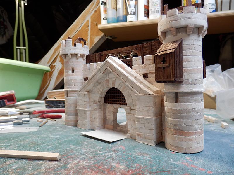 Village médiéval fortifié - Page 20 P6050023