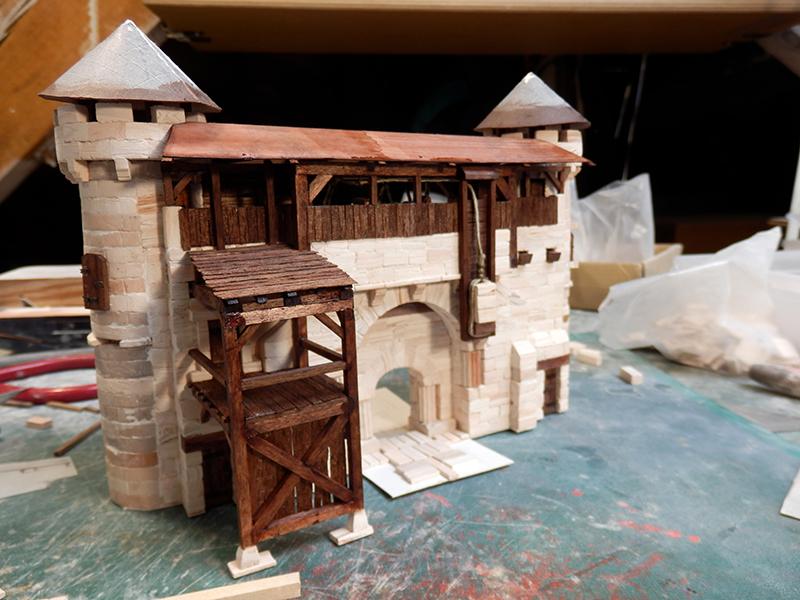 Village médiéval fortifié - Page 20 P6050024