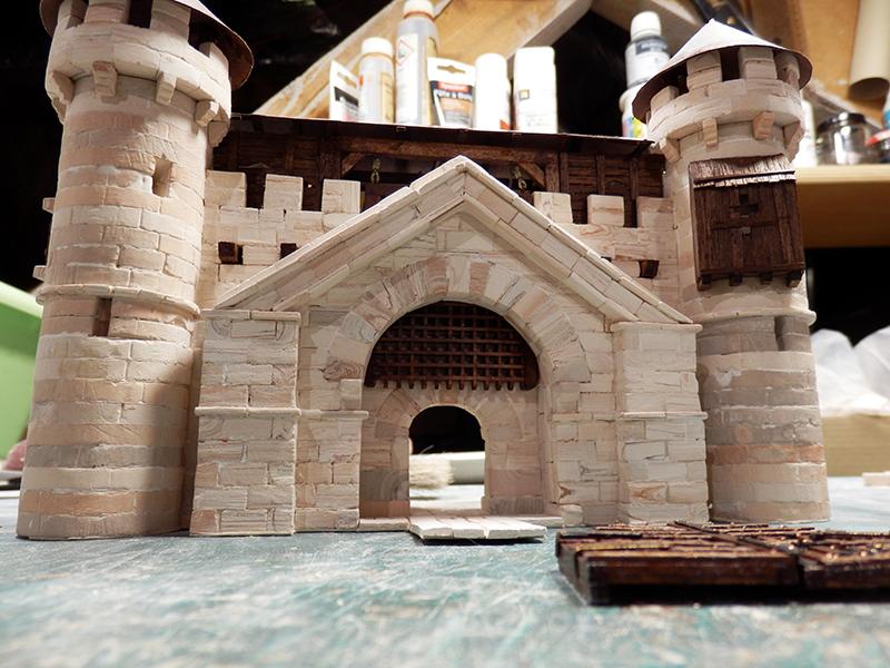 Village médiéval fortifié - Page 20 P6070016