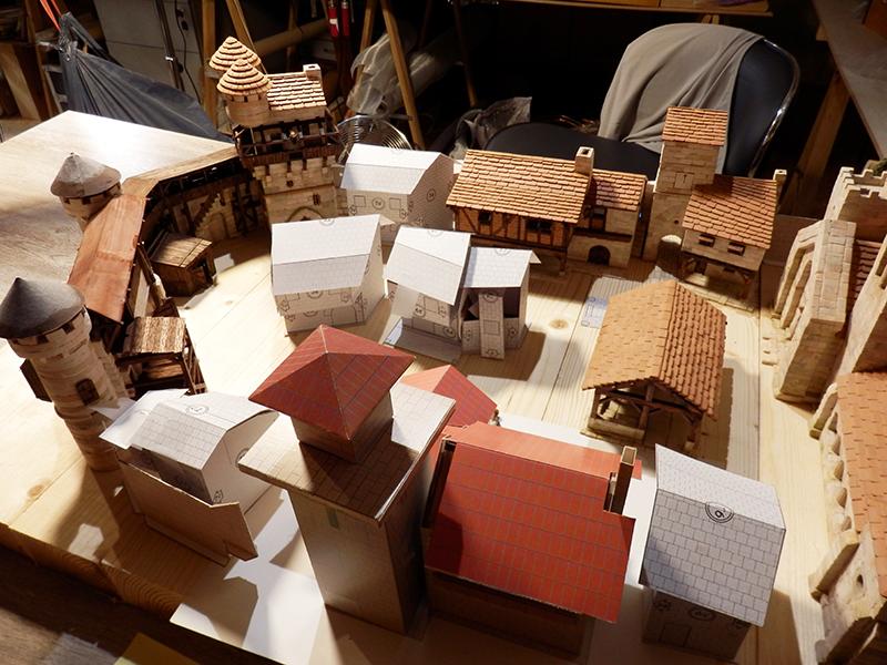 Village médiéval fortifié - Page 20 P6070021