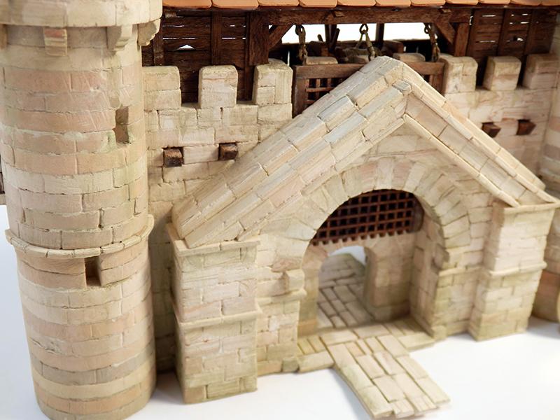 Village médiéval fortifié - Page 20 P6140013