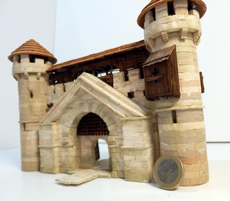Village médiéval fortifié 14è- bastide - éch1:87 P6140026