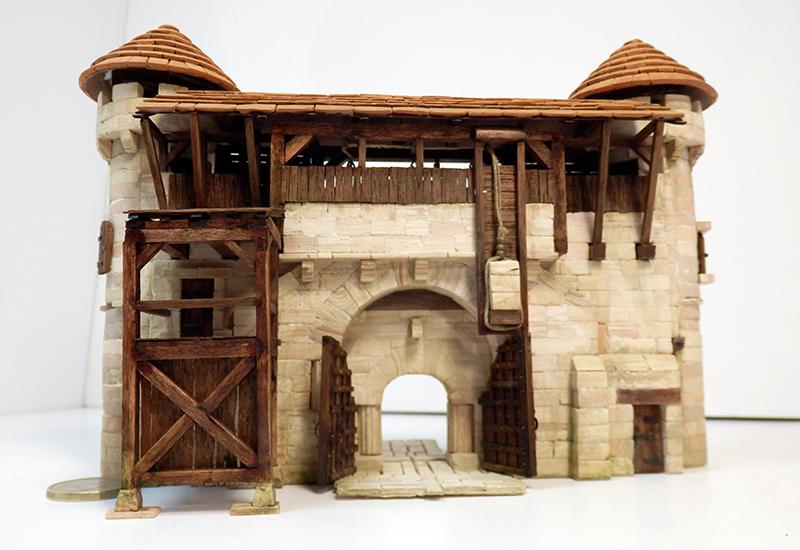 Village médiéval fortifié 14è- bastide - éch1:87 P6140029
