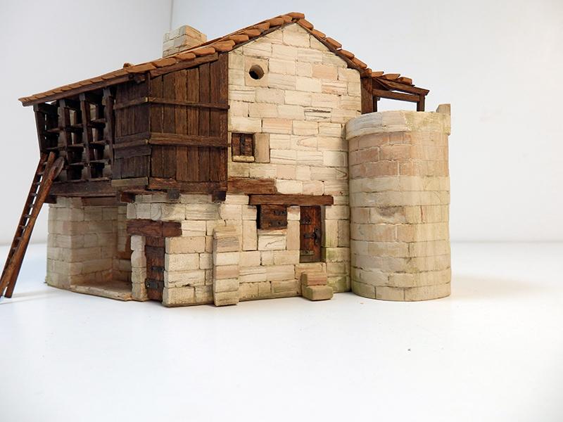 Village médiéval fortifié (1) - Page 22 P7090020