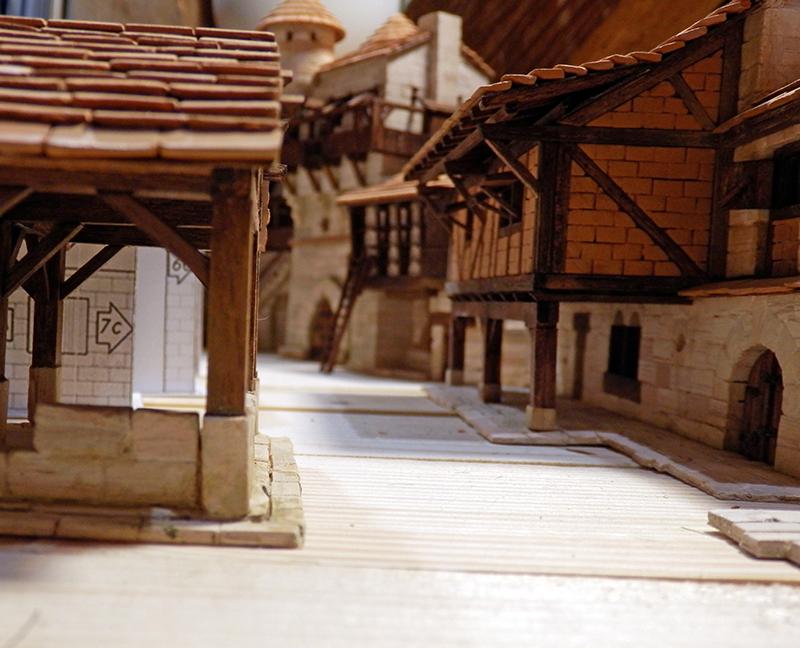 Village médiéval fortifié (1) - Page 22 P7090022